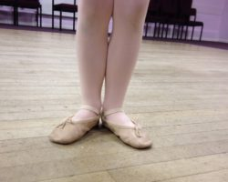 Good toes and naughty toes – New Baby Ballet Class- Thursdays at 2.15 in Thorganby!